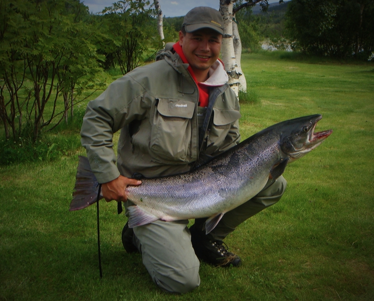 Joakim Haugen with 17,1 kg salmon caught on Monster Tube Caddis in # small