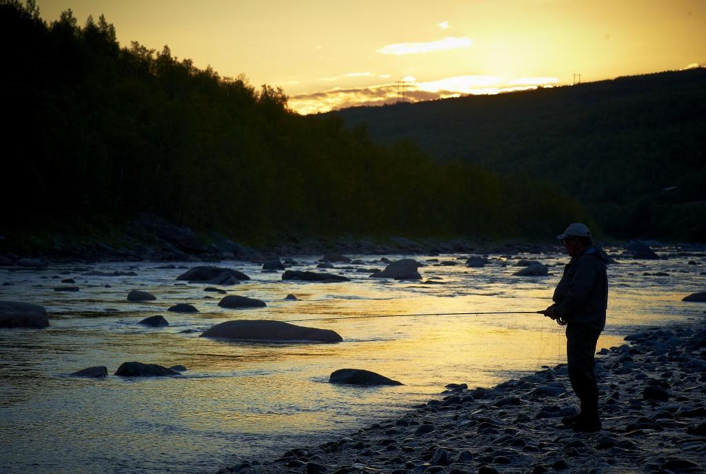 Repparfjord elven med lakseflue