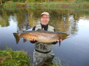 Jens Peder Jeppesen with 85 centimeter salmon from the Morrum River