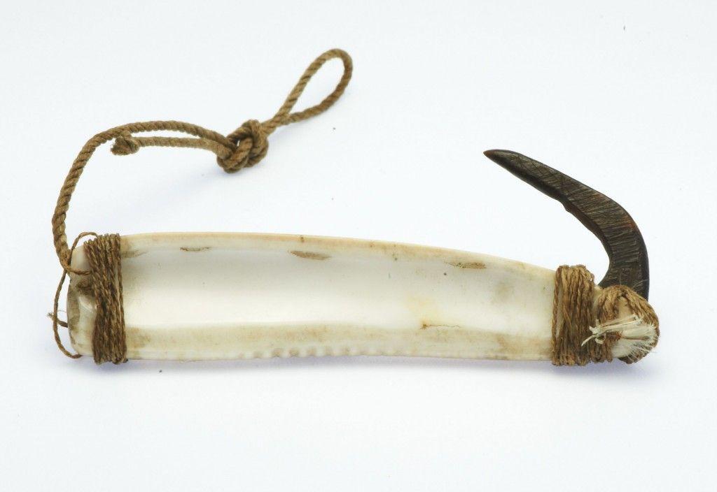 Inuit fishing hook very old fishing hook